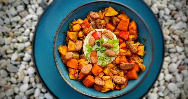 """""""Marrokaanse groentestoof met zoete aardappelen, wortelen, dadels en munt met een timbaaltje van Couscous en verse Koriander"""""""