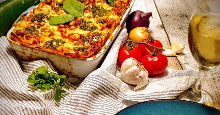 Lasagne met tofu gehakt groentensaus en rucola pesto